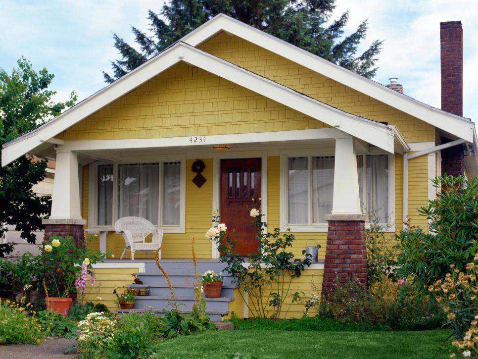 TS-AA014705_Cottage-Home-Exterior-Yellow_h.jpg.rend.hgtvcom.966.725.jpeg