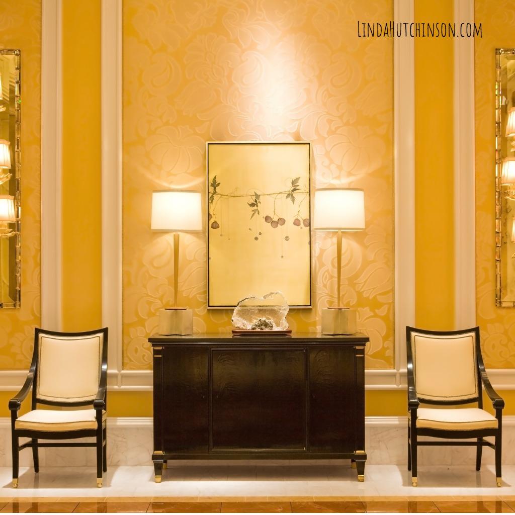 modern-interior-hallway-picture-id93180679.jpg